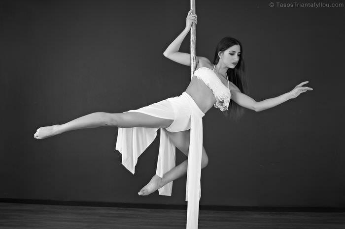 Maria_Savvidou_Pole_Dancer_042