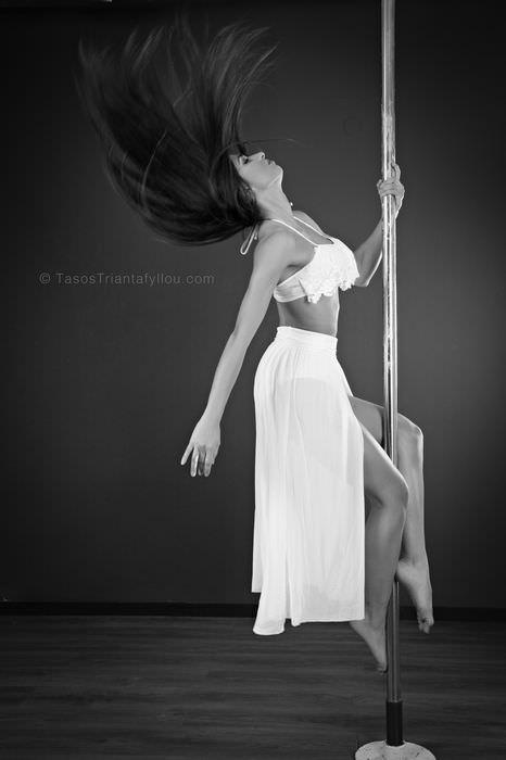 Maria_Savvidou_Pole_Dancer_049